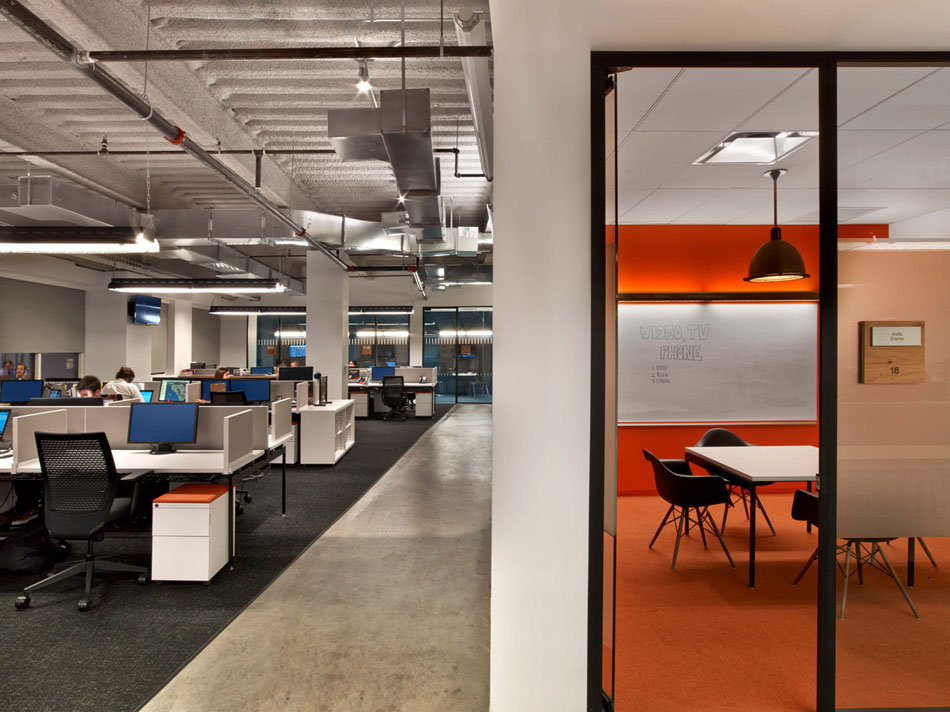 Tough-Mudder's-Headquarters-Design-by-M-Moser-Associates-14