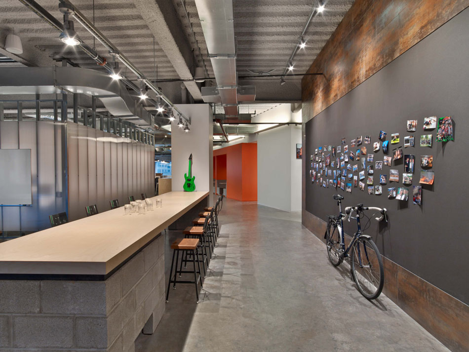 Tough-Mudder's-Headquarters-Design-by-M-Moser-Associates-16