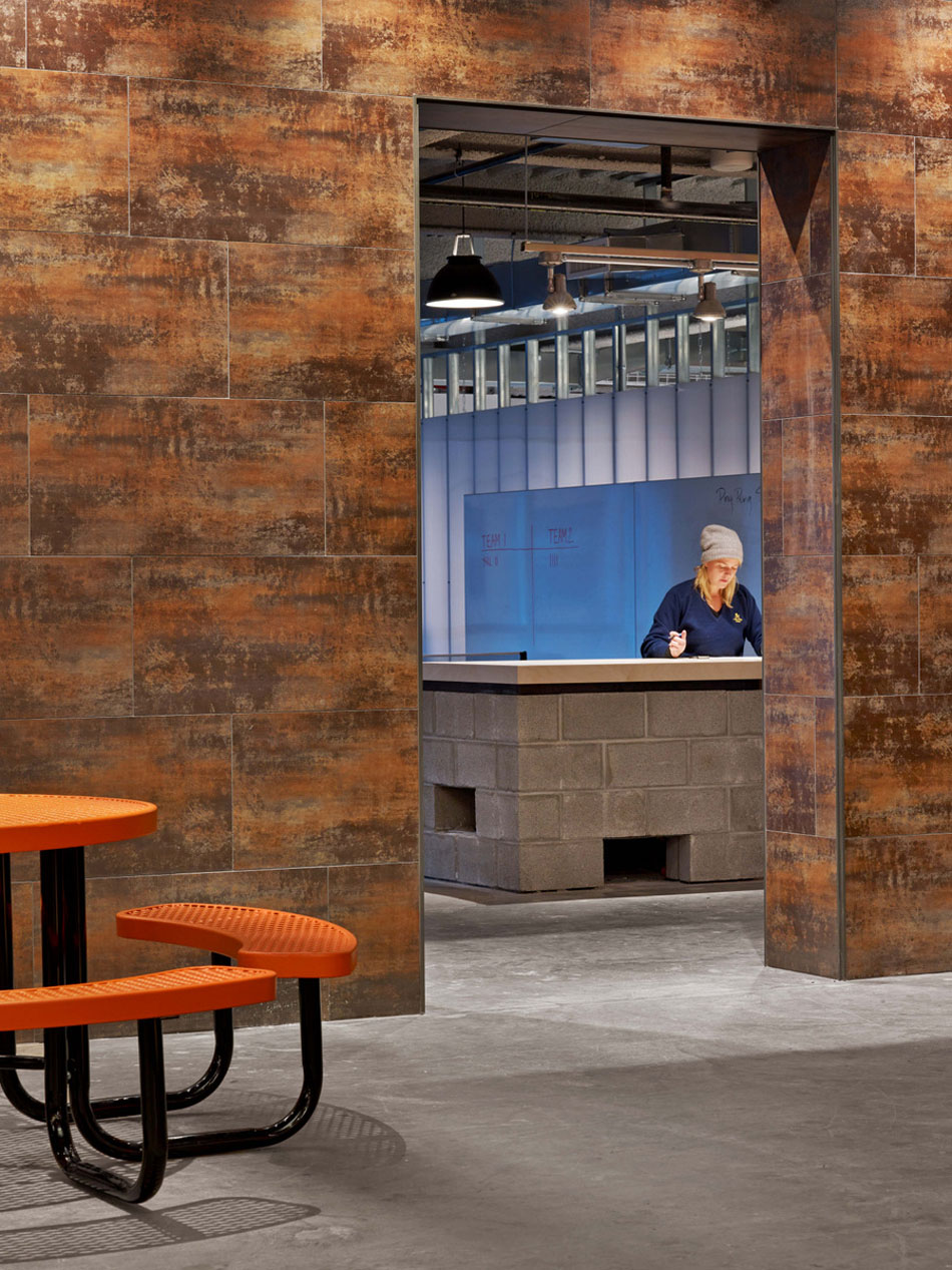 Tough-Mudder's-Headquarters-Design-by-M-Moser-Associates-3